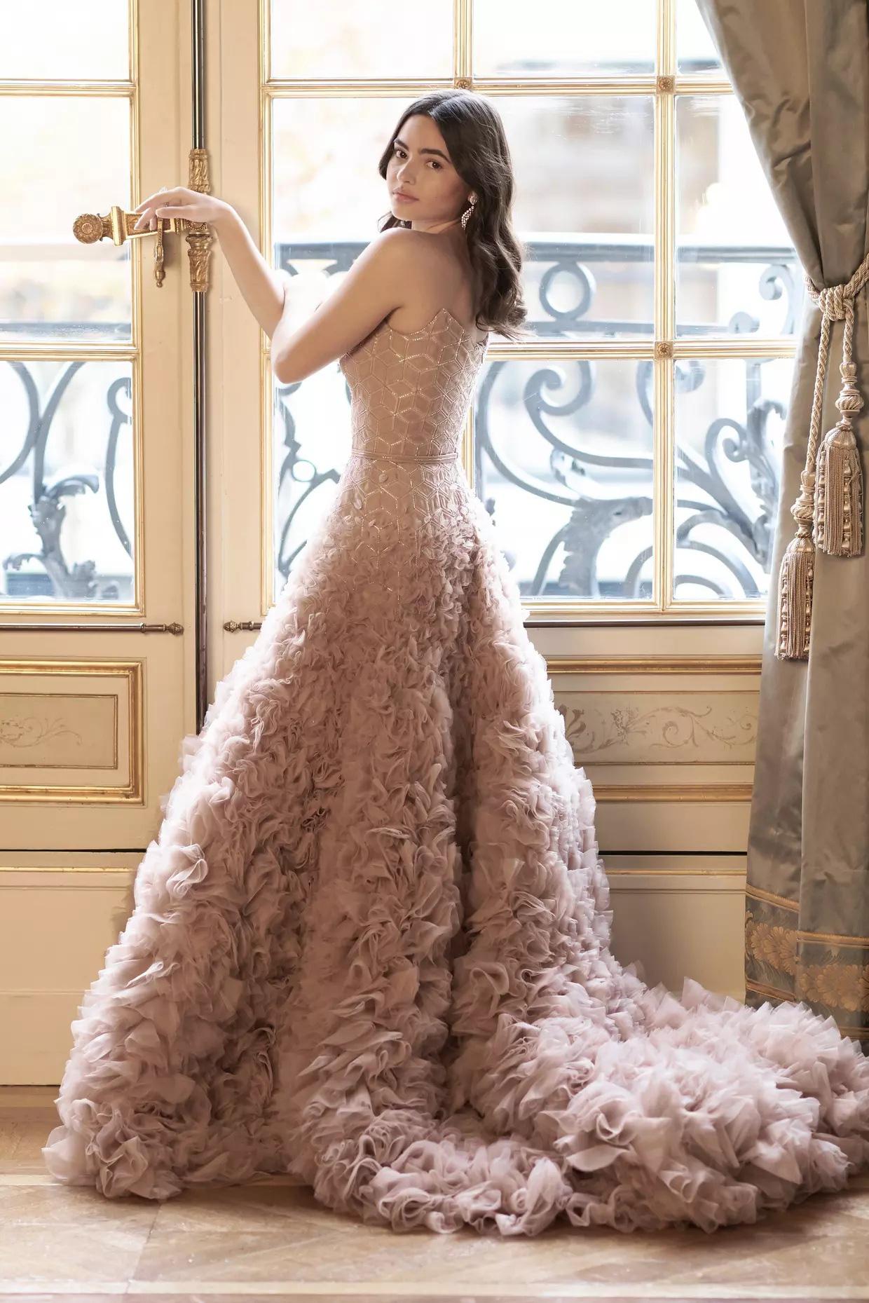 Hội tiểu thư nhà siêu giàu thế giới lên đồ đi dự tiệc xa hoa, ai cũng váy áo lộng lẫy đến choáng ngợp - Ảnh 11.