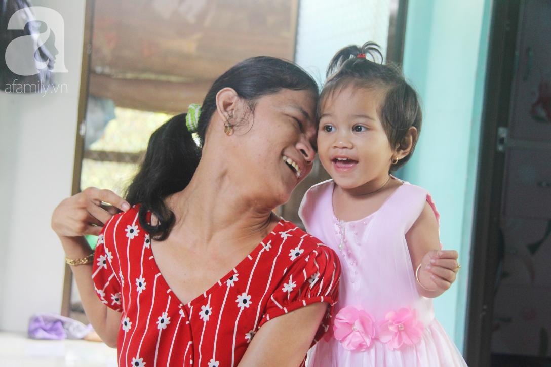 Cái Tết thứ 2 của người mẹ điên ở Trà Vinh: Hạnh phúc và tràn ngập tiếng cười khi con gái cất tiếng gọi mẹ - Ảnh 1.