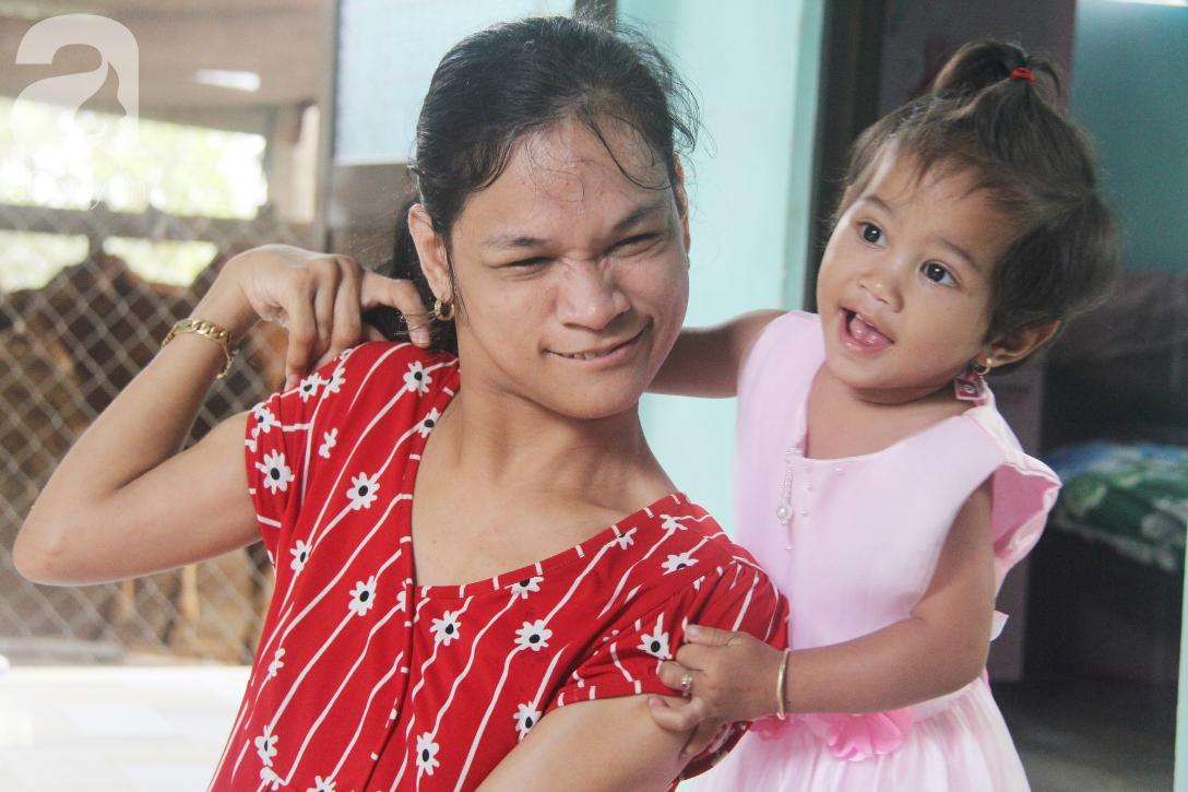 Cái Tết thứ 2 của người mẹ điên ở Trà Vinh: Hạnh phúc và tràn ngập tiếng cười khi con gái cất tiếng gọi mẹ - Ảnh 10.