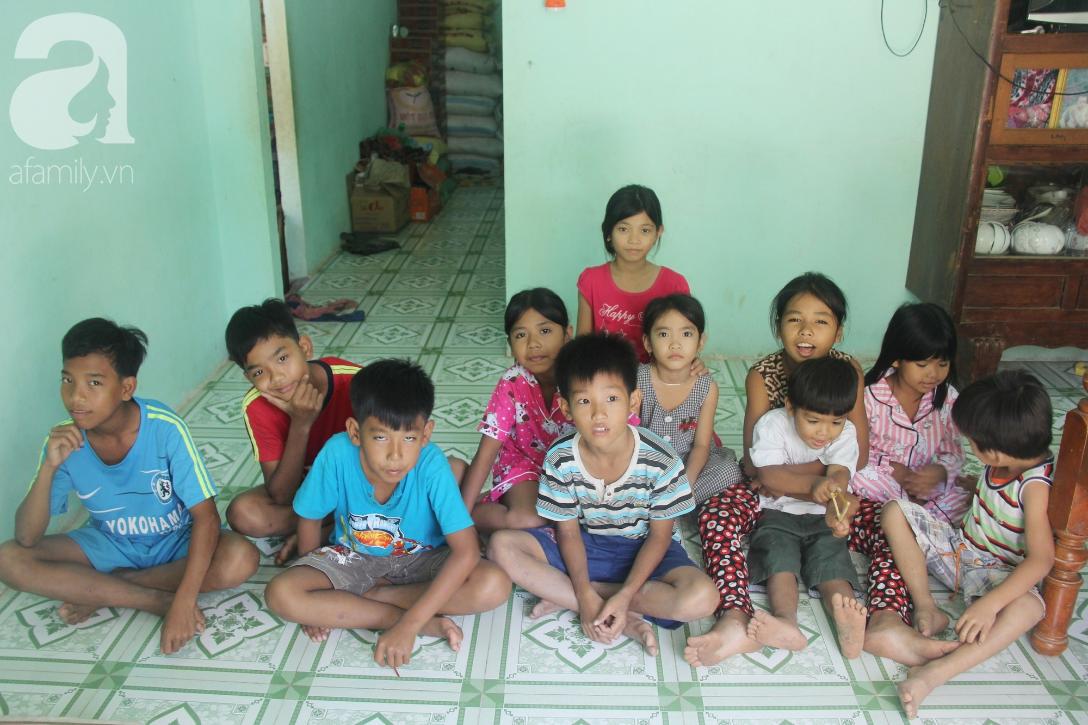 Nụ cười hạnh phúc của 11 đứa trẻ bị bố mẹ bỏ rơi: Tụi con có nhà mới và được đi học tiếp - Ảnh 16.