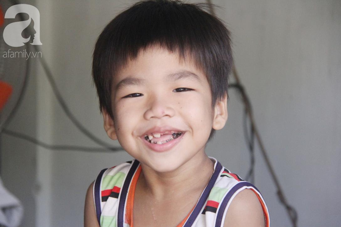 Nụ cười hạnh phúc của 11 đứa trẻ bị bố mẹ bỏ rơi: Tụi con có nhà mới và được đi học tiếp - Ảnh 15.