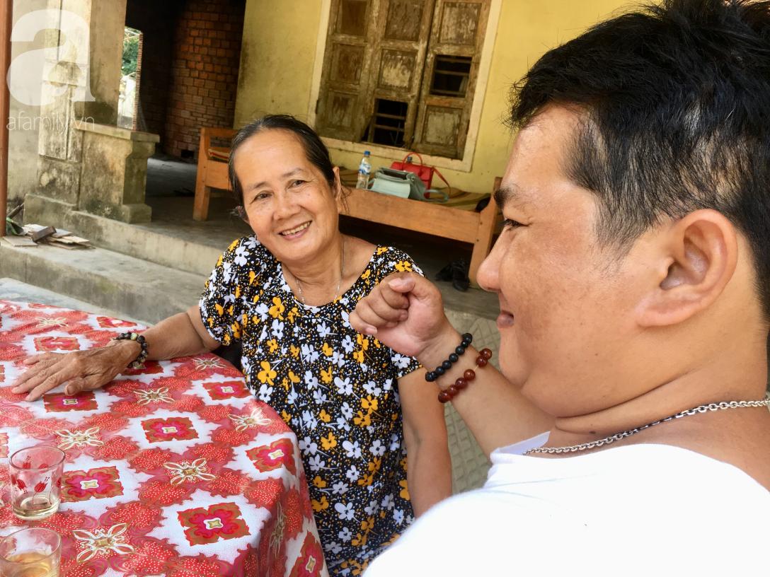 Nụ cười của bà Cúc: 35 tuổi, cuối cùng thằng Thanh đã biết đi, biết gọi mẹ thật rồi - Ảnh 11.