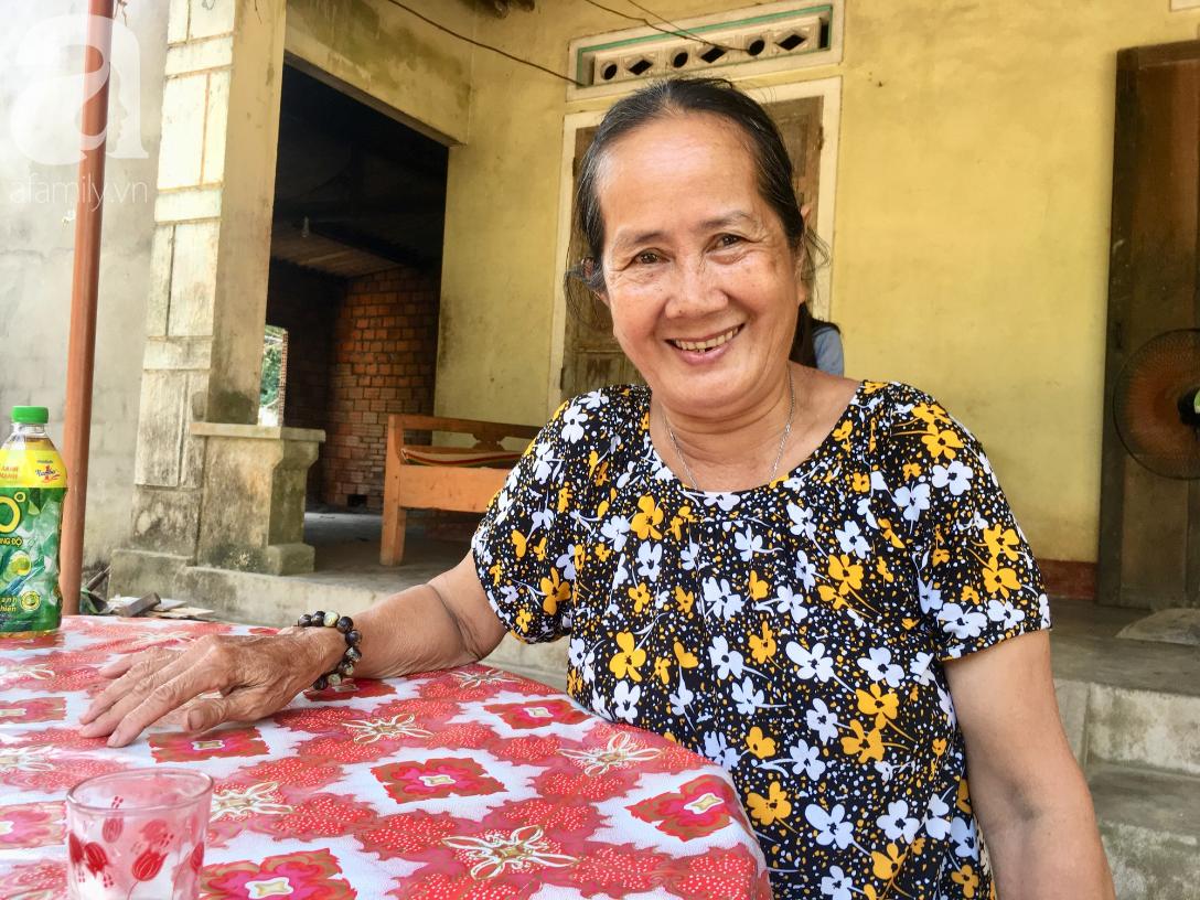 Nụ cười của bà Cúc: 35 tuổi, cuối cùng thằng Thanh đã biết đi, biết gọi mẹ thật rồi - Ảnh 9.