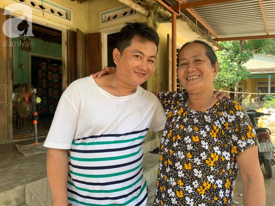 Nụ cười của bà Cúc: 35 tuổi, cuối cùng thằng Thanh đã biết đi, biết gọi mẹ thật rồi - Ảnh 1.