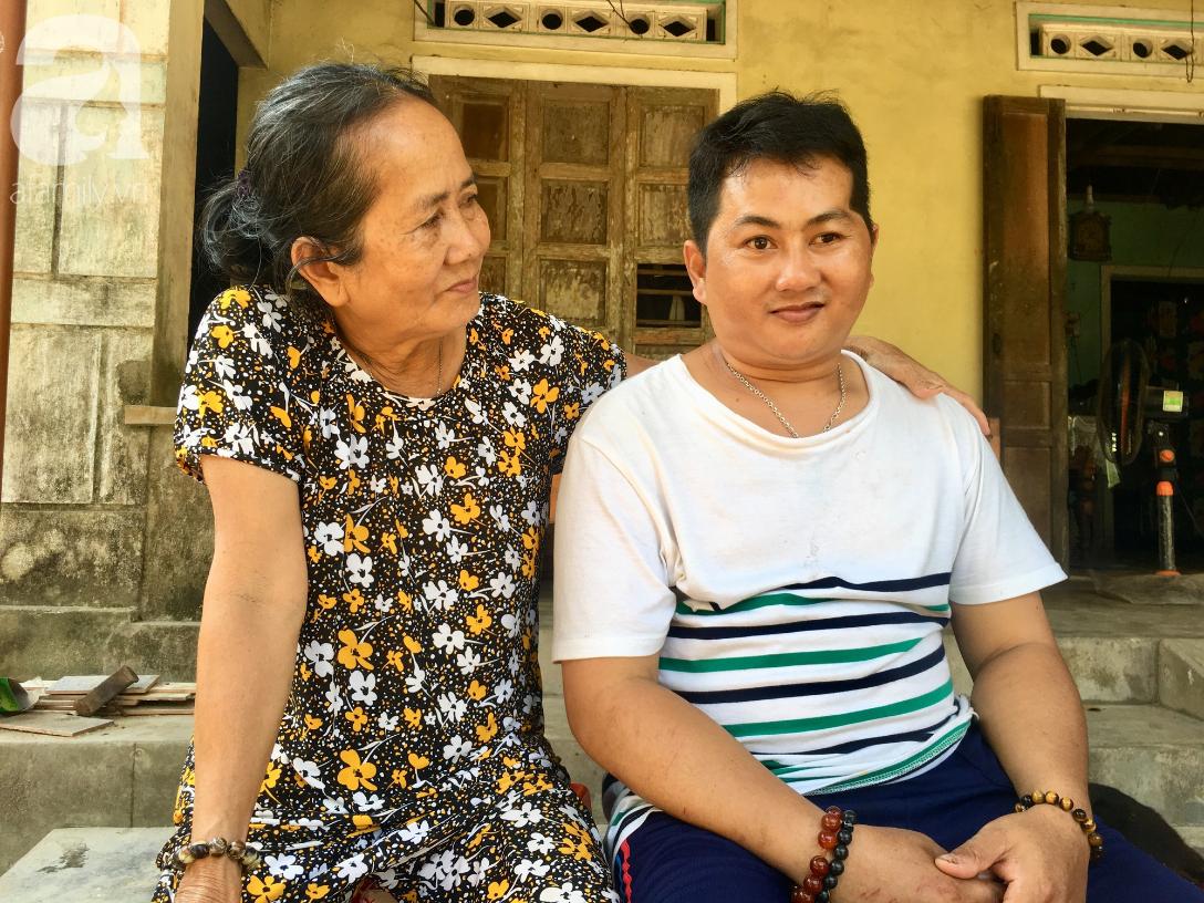 Nụ cười của bà Cúc: 35 tuổi, cuối cùng thằng Thanh đã biết đi, biết gọi mẹ thật rồi - Ảnh 10.
