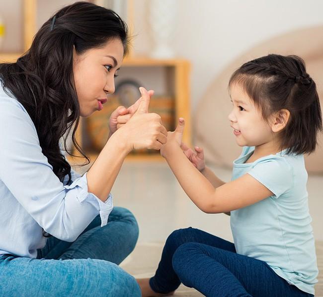 Muốn con mai sau luôn là người tự tin và quyết đoán, cha mẹ nhất định không thể bỏ qua 6 cách này - Ảnh 1.