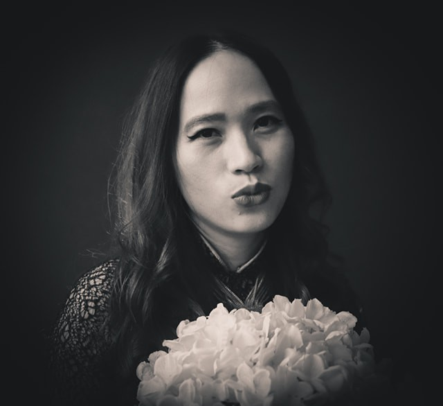 Chuyện của Nhung (P1): Cô gái trẻ giỏi giang bỏ công việc mơ ước vì tình yêu để tới cuộc hôn nhân... địa ngục  - Ảnh 2.