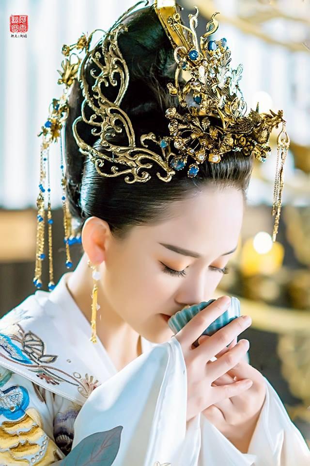 Độc Cô Hoàng hậu của Trần Kiều Ân khai màn, chính thức cán mốc 100 triệu lượt xem  - Ảnh 3.