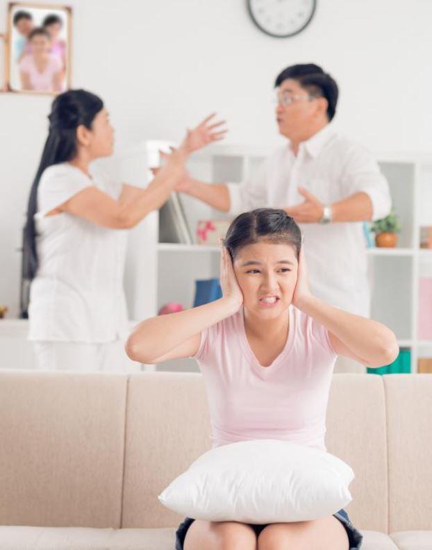 Con lúc nào cũng nói trả treo, cãi tay đôi lại? Cha mẹ hãy làm ngay theo lời khuyên này của chuyên gia để trị thói xấu đó của bé - Ảnh 7.