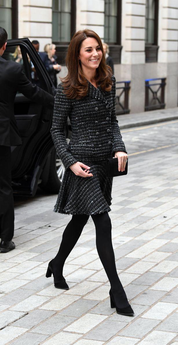 """Kate Middleton cũng bận """"chạy show"""" sự kiện: vừa từ nàng công sở đã hóa nữ thần sang chảnh khiến dân tình điên đảo - Ảnh 2."""