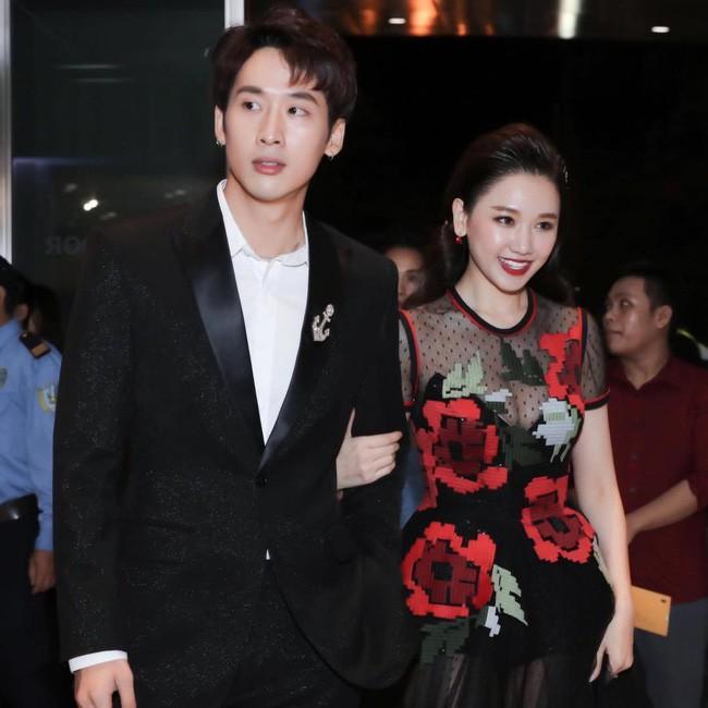Hari Won khoe ảnh tình cảm với chồng, nhưng dân tình lại nổ đom đóm mắt vì điểm này - Ảnh 4.