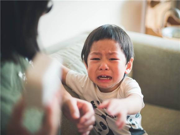 3 câu nói đùa vô ý của bố mẹ tưởng không hại nhưng hại không tưởng khiến sự phát triển về tâm lý bị ảnh hưởng - Ảnh 2.