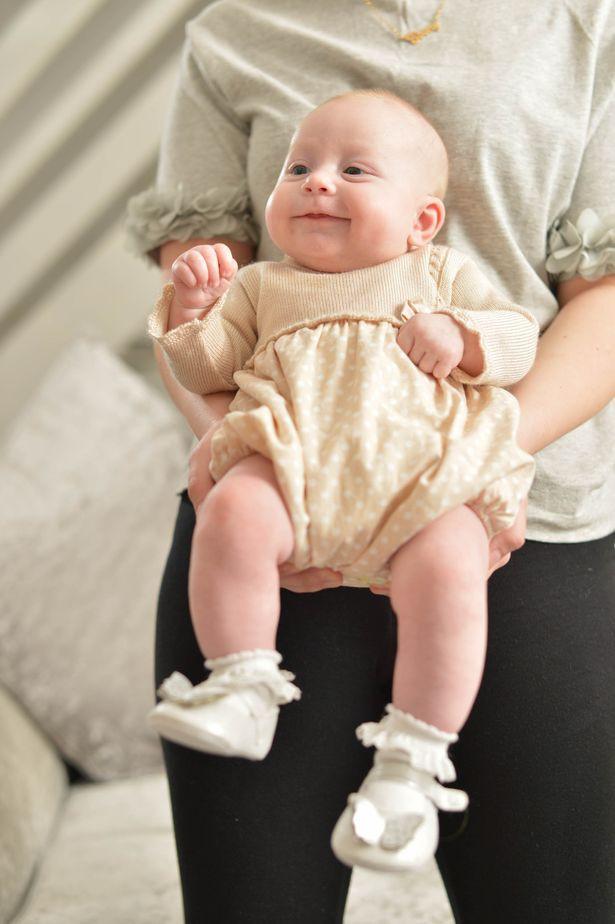 Bị hôn mê suốt 4 ngày sau một cơn đau đầu, đến khi tỉnh dậy người mẹ trẻ thêm choáng váng khi biết mình đã sinh một đứa con  - Ảnh 4.