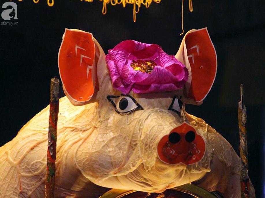 Hà Nội: Ông lợn được hàng nghìn người dân La Phù đón rước trong đêm - Ảnh 1.