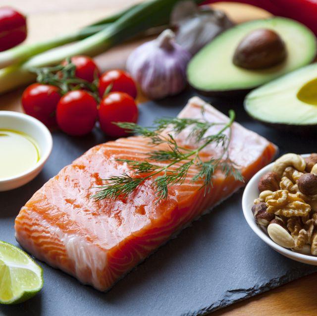 Các bác sĩ tiết lộ chế độ ăn kiêng tốt nhất giúp giảm cân - Ảnh 2.