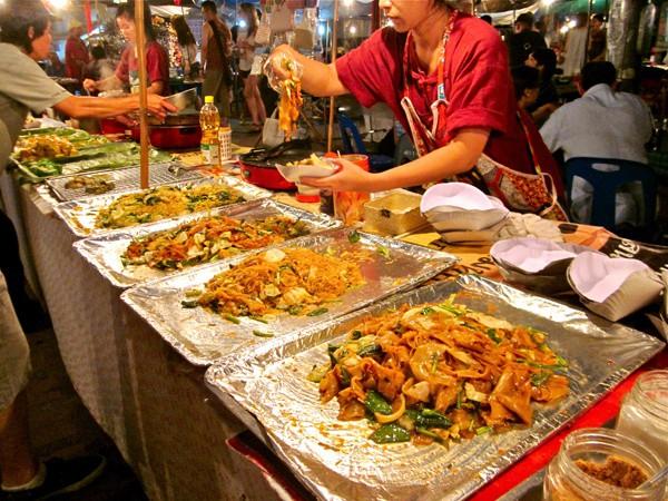 Ngộ độc thực phẩm mùa lễ hội: Cảnh báo ngộ độc thực phẩm mùa lễ hội - Ảnh 1.