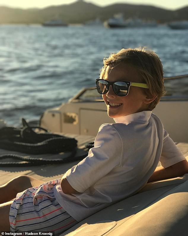 Cuộc sống phủ đầy hàng hiệu, chỉ toàn gặp người nổi tiếng của Hoàng tử nhí làng thời trang, con trai cưng của huyền thoại Chanel Karl Lagerfeld - Ảnh 9.