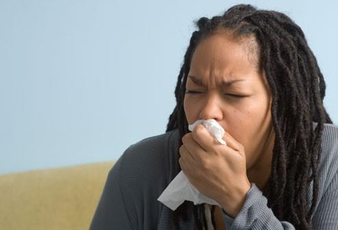 Dấu hiệu nhận biết bệnh cúm và cách phân biệt với cảm lạnh - Ảnh 5.