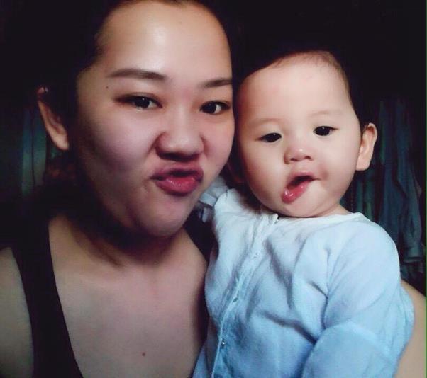 Nhan sắc vạn người mê sau phẫu thuật thẩm mỹ của bà mẹ bỉm sữa Sài Gòn từng bị trầm cảm - Ảnh 1.