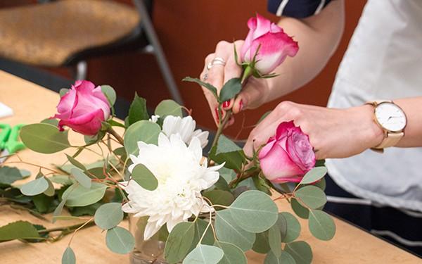 12 lời khuyên để tạo nên cách cắm hoa hoàn hảo đến từng chi tiết - Ảnh 10.