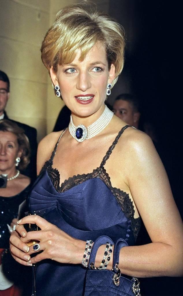 Chiếc đầm sexy nổi tiếng nhất của Công nương Diana đã suýt bị bỏ đi vì lý do chẳng ai ngờ tới - Ảnh 3.