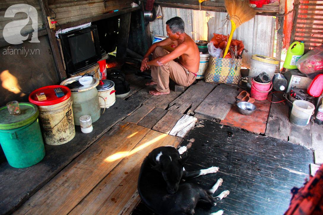 Giấc mơ gần nửa thế kỉ của xóm chài nghèo giữa Sài Gòn: Muốn lên bờ sống nốt những ngày tháng cuối đời - Ảnh 11.