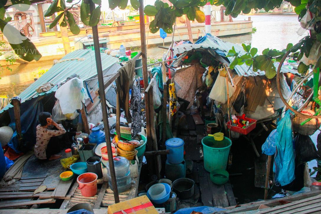 Giấc mơ gần nửa thế kỉ của xóm chài nghèo giữa Sài Gòn: Muốn lên bờ sống nốt những ngày tháng cuối đời - Ảnh 15.