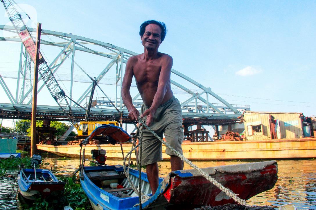 Giấc mơ gần nửa thế kỉ của xóm chài nghèo giữa Sài Gòn: Muốn lên bờ sống nốt những ngày tháng cuối đời - Ảnh 4.