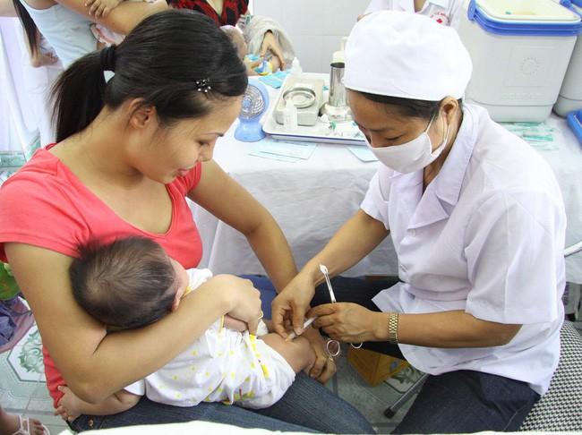 Lịch tiêm phòng cho trẻ sơ sinh năm 2019 và những thay đổi các mẹ bỉm sữa nên biết và tham khảo - Ảnh 2.