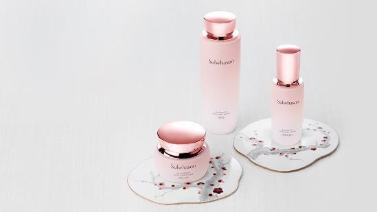 Cải thiện làn da nhanh chóng với bộ 3 sản phẩm vừa ra mắt của Sulwhasoo - Ảnh 1.