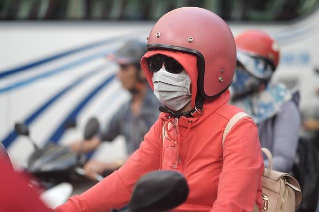 Dưới tác động của ô nhiễm môi trường, bạn đã chăm sóc da đúng cách chưa? - Ảnh 1.