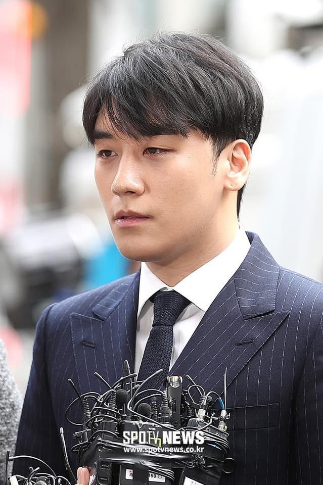 Seungri trình diện tại sở cảnh sát, dư luận mỉa mai: Sao trông vẫn béo tốt thế nhỉ? - Ảnh 1.