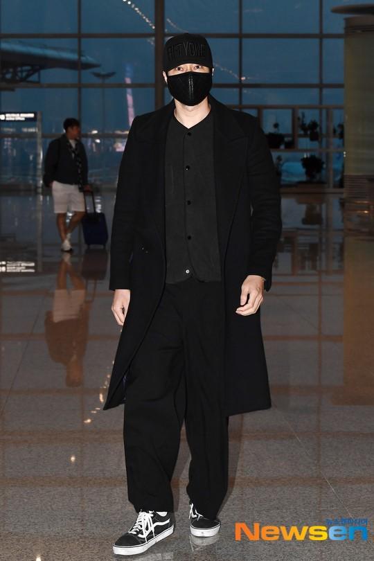 Giữa bão bùng scandal chấn động xứ Hàn, So Ji Sub vẫn nổi bần bật nhờ phong cách thời trang né phốt - Ảnh 6.