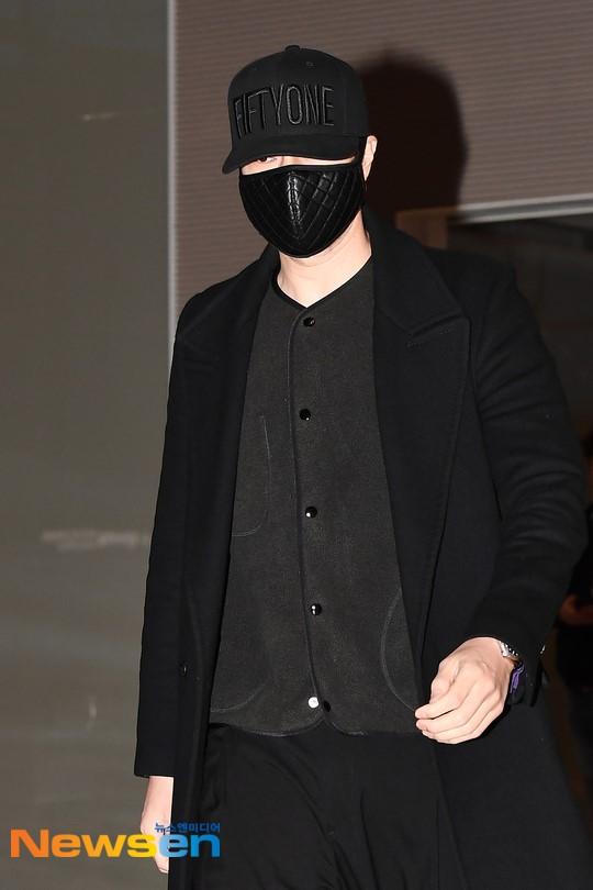Giữa bão bùng scandal chấn động xứ Hàn, So Ji Sub vẫn nổi bần bật nhờ phong cách thời trang né phốt - Ảnh 5.
