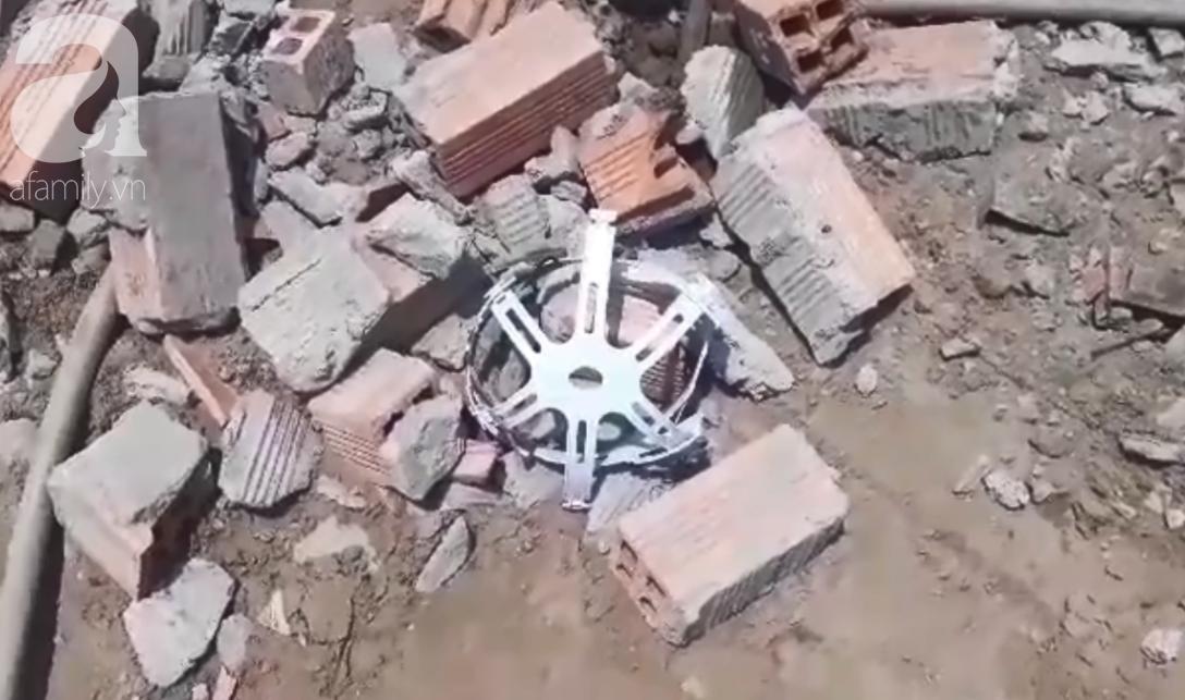 Hiện trường vụ sập bức tường rộng 400m2, 6 người chết, nhiều người bị vùi lấp trong gạch đá - Ảnh 5.