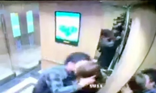 Yêu râu xanh sàm sỡ nữ sinh trong thang máy bất ngờ hủy bỏ buổi xin lỗi công khai - Ảnh 2.