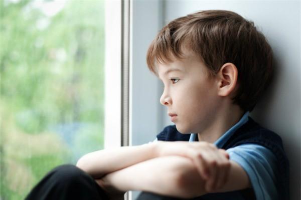 8 câu nói làm tổn thương trẻ vô cùng, thế nhưng nhiều bậc cha mẹ vẫn vô tâm nói điều ấy mỗi ngày - Ảnh 4.