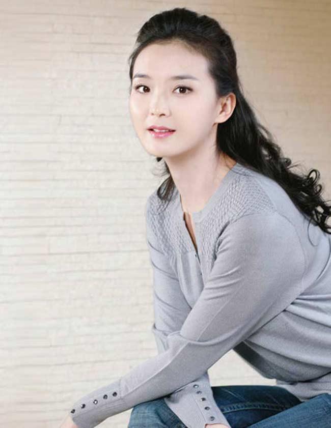 Ở tuổi U50, nàng Tinh Nhi cách cách Vương Diễm trẻ đẹp như gái đôi mươi nhờ bí quyết giữ dáng này - Ảnh 8.