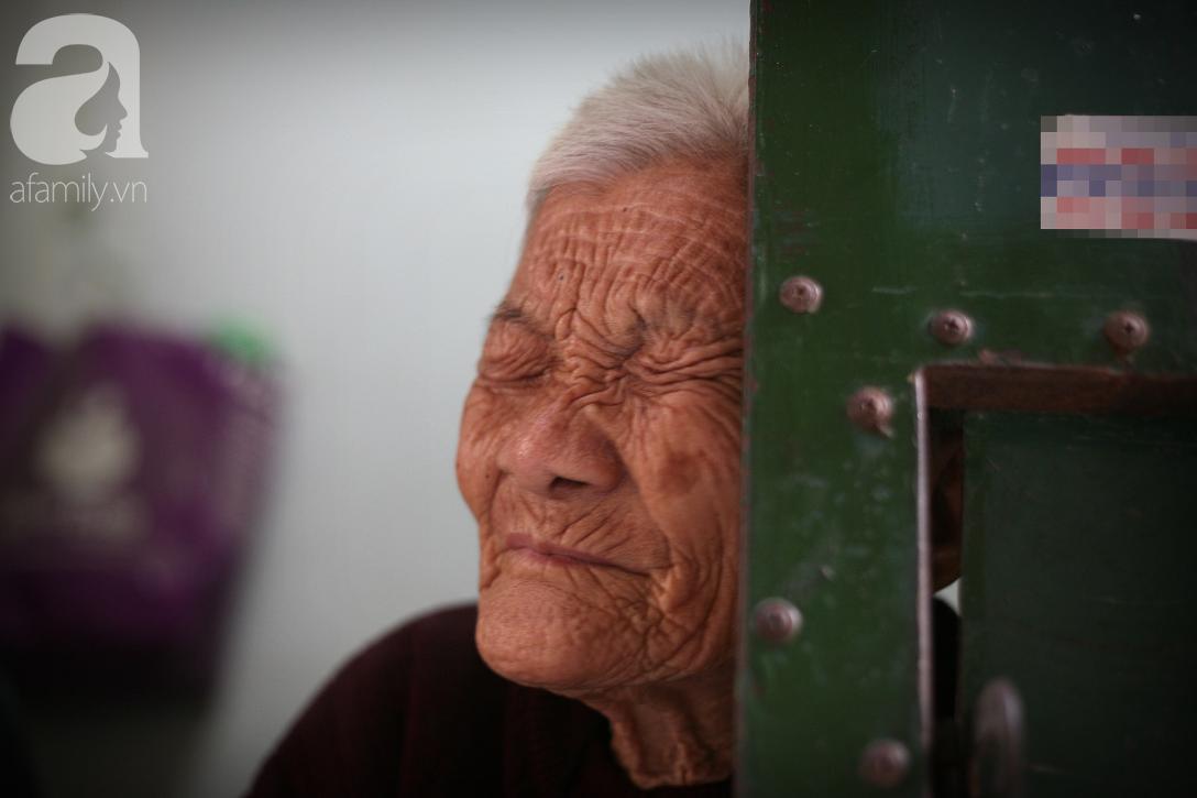 Xót cảnh cụ bà 84 tuổi, hàng ngày phải đẩy xe đi bán kẹo và tâm nguyện cuối cùng trước khi chết - Ảnh 3.
