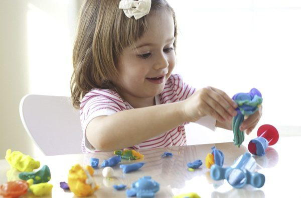 Những món đồ chơi hay, bổ ích lại kích thích trí thông minh của trẻ mà cha mẹ rất nên tham khảo đến - Ảnh 2.