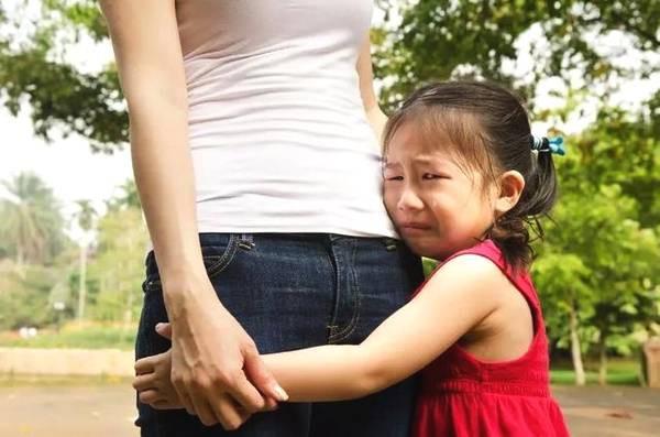 10 điều bố mẹ cần làm ngay để con được an toàn ở trường học, không để bị bạn bắt nạt ngay trong lớp - Ảnh 2.
