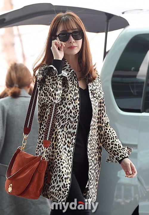 Giữa lùm xùm Song Joong Ki - Song Hye Kyo ly hôn, bà xã của Lee Byung Hun bất ngờ nhận được vô số lời khen vì nhan sắc - Ảnh 4.
