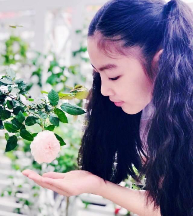 Vườn hồng với đủ loại hồng cổ, hồng ngoại khoe sắc trong biệt thự của MC Quyền Linh - Ảnh 15.