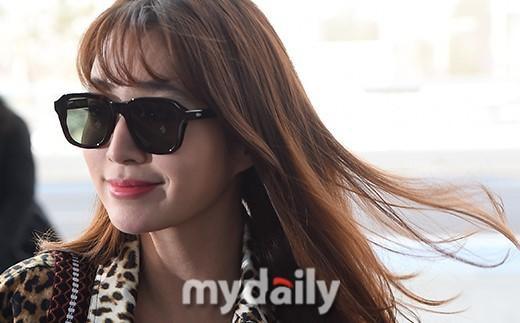 Giữa lùm xùm Song Joong Ki - Song Hye Kyo ly hôn, bà xã của Lee Byung Hun bất ngờ nhận được vô số lời khen vì nhan sắc - Ảnh 5.