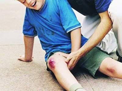 Từ vụ ăn nhầm bột thông cống, 44 trẻ nhập viện: Cảnh báo nhiều trẻ gặp nạn do người lớn chủ quan - Ảnh 2.