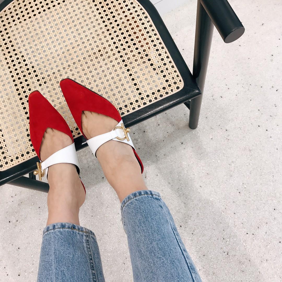 Đã đến lúc những đôi boots thời thượng nhường chỗ cho 4 mẫu giày công sở cách điệu xinh xắn này - Ảnh 4.
