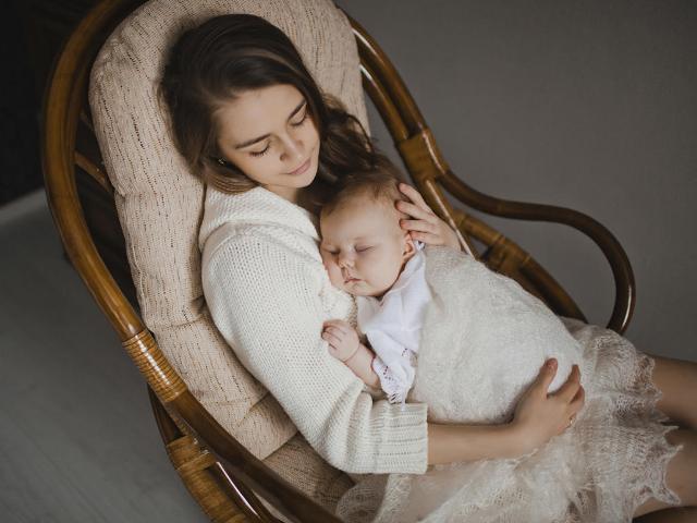 Mách các mẹ 4 tư thế nằm tốt nhất sau sinh mổ giúp mau chóng hồi phục sức khỏe - Ảnh 5.
