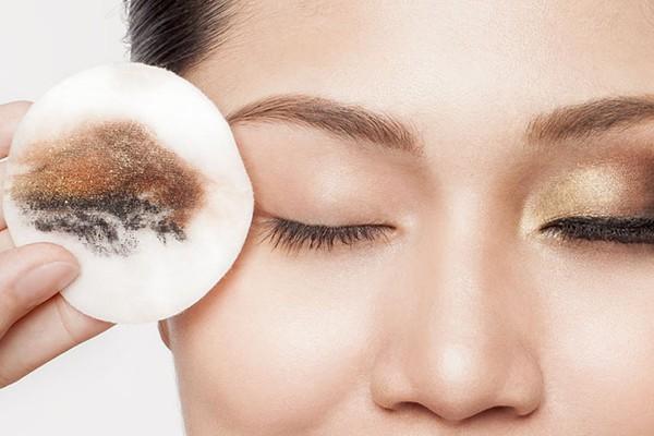 Bộ bí kíp đơn giản giúp bạn xử lý quầng thâm, trả lại vẻ tươi tắn cho gương mặt - Ảnh 2.