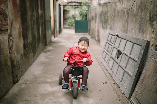 Người mẹ can đảm và cậu bé thần đồng tiếng Anh 5 tuổi - Ảnh 2.