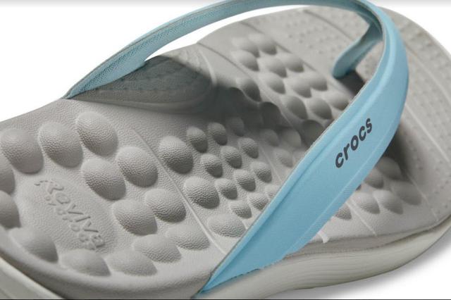 Không phải item thần thánh cao siêu, bộ sưu tập mới của Crocs chính là thứ bạn nhất định phải sắm ngay cho mùa hè - Ảnh 3.